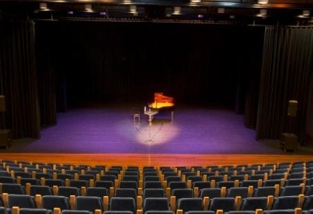 B v hospitality services cultuurgebouw congrescentrum for Hoofddorp theater